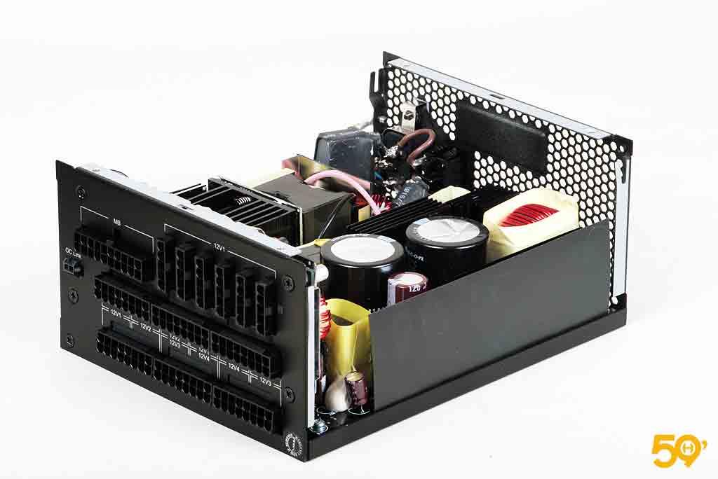 Antec High Current Pro 1300 Platinum (10)